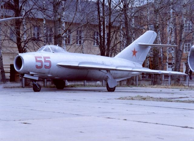 Миг 15 фронтовой истребитель